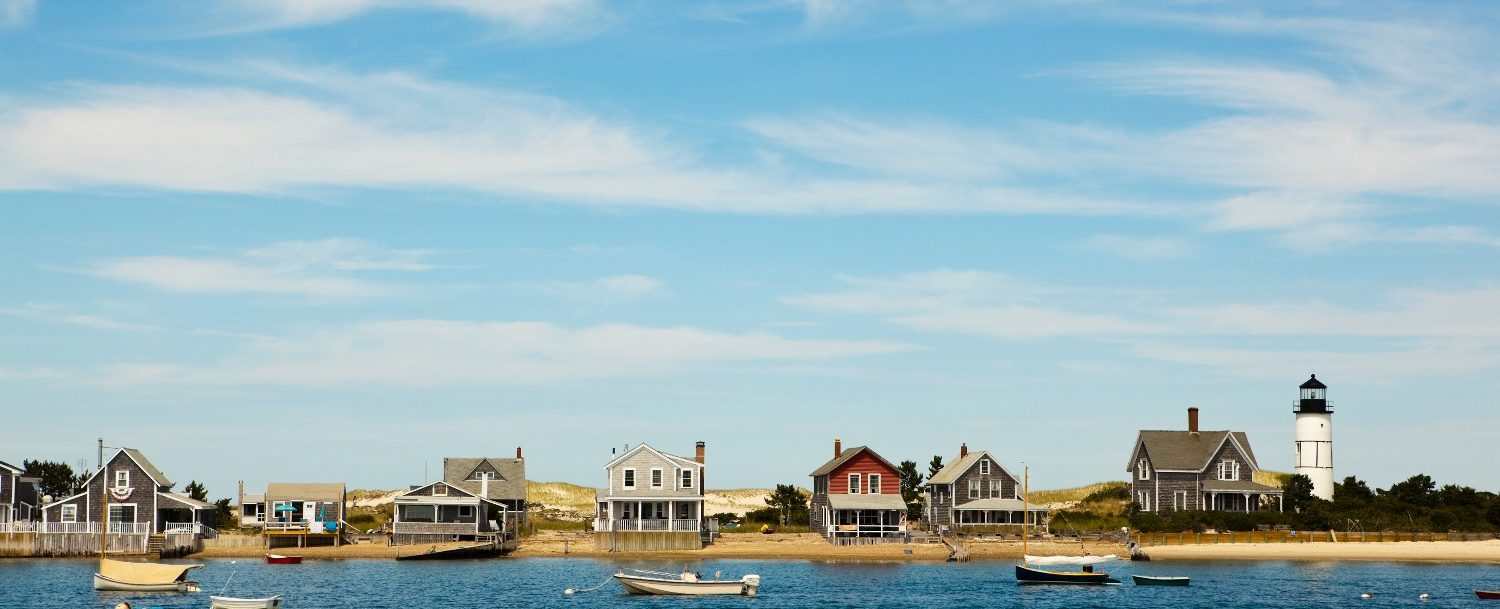 beautiful houses by the sea are some of the best of cape cod
