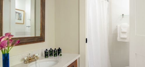 The en-suite of The Island Creek Room at The Inn at Yarmouth Port