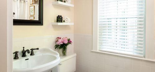 the en-suite of The Wellfleet Room at The Inn at Yarmouth Port